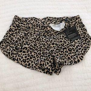 S Makaha short snow leopard NWT